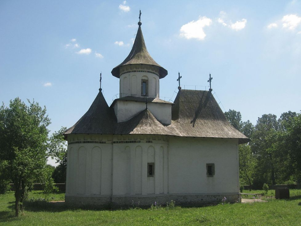 Biserica Sfintei Cruci din Patrauti