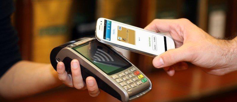 plata cu smartphone-ul